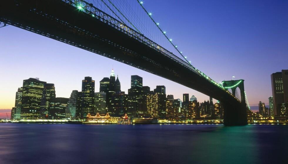 Stemningsfullt:  New York på sitt beste. Manhatten by night med velkjente Brooklyn  bridge i forgrunnen. Alle foto: NTB Scanpix