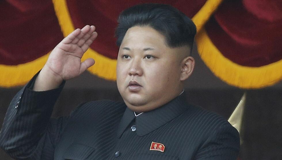 SKUMMELT TEGN: Atomprøvesprengningen natt til fredag bærer preg av å være en reell utprøving av atomvåpen, ikke en provokasjon eller en trussel. Det skaper bekymring. På bildet er Nord-Koreas unge diktator, Kim Jong-Un. Foto: AP / NTB Scanpix.