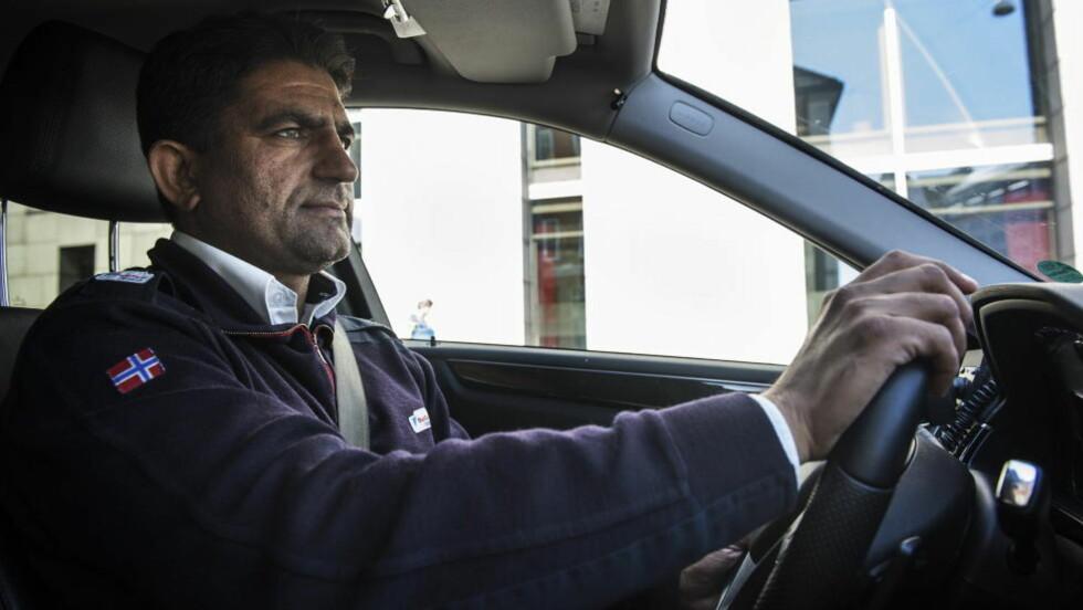 FASTEMÅNED:  Nestleder i Norges Taxiforbund, avdeling Oslo, Rafaqat Ali, oppfordrer sjåfører som faster under ramadan til å kun arbeide når de er friske og opplagte. Foto: Aleksander Andersen / NTB scanpix