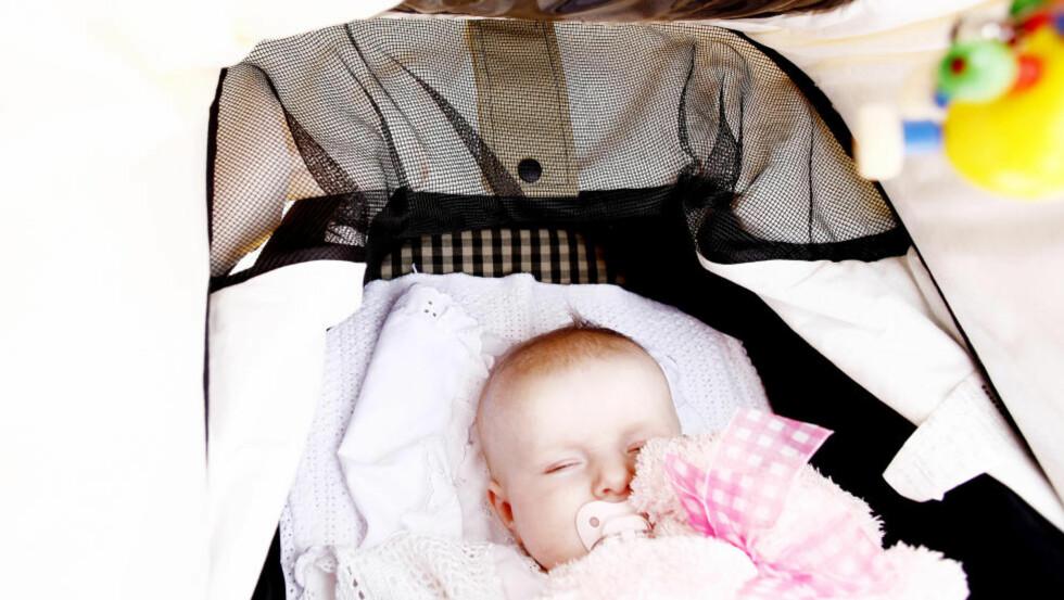 FALLER UTENFOR: I dag er det en gruppe fedre som faller helt utenfor fedrekvoten, som ikke har krav på en eneste dag sammen med babyene sine, utover to uker fri i forbindelse med fødsel, skriver artikkelforfatteren. Foto: Sara Johannessen / NTB Scanpix