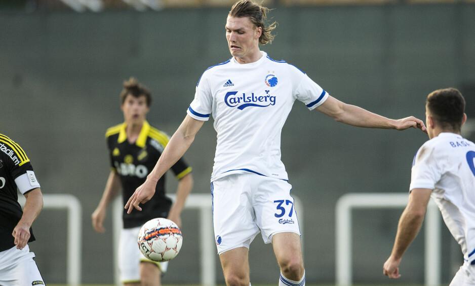 TALENT: Julian Kristoffersen har allerede fått sin debut for FC København. Nå belønnes han med A-lagsplass i det danske storlaget. Foto: NTB Scanpix