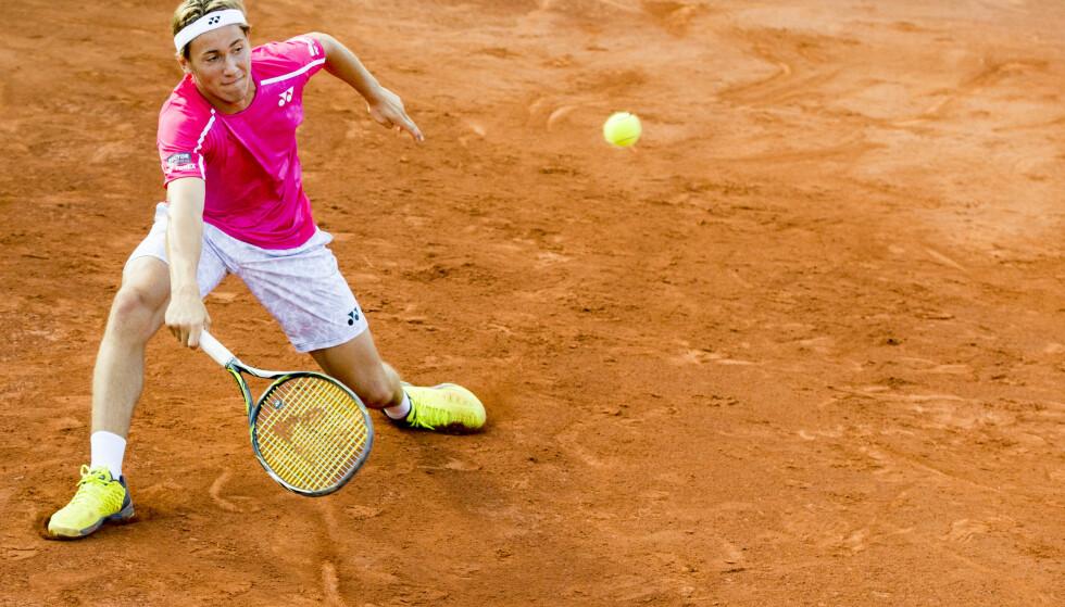 VANT: Casper Ruud vant første runde av ATP-turnering i Polen. Her er han i aksjon under NM i tennis i Frognerparken. Foto: Vegard Wivestad Grøtt / NTB scanpix