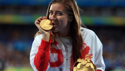 GULL Libby Clegg endte opp med gull, til tross for at hun nesten ble disket etter semifinalen. Foto: NTB Scanpix