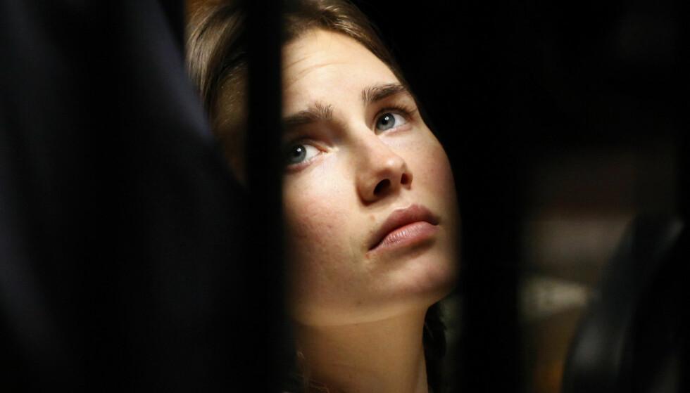 FRIKJENT: Amerikanske Amanda Knox ble dømt for å ha drept sin britiske romkamerat i Italia i 2007, men ble etter flere runder i retten frikjent i fjor. Nå lager strømmegiganten Netflix dokumentar om saken. Foto: Alessia Pierdomenico/ / Reuters / NTB scanpix