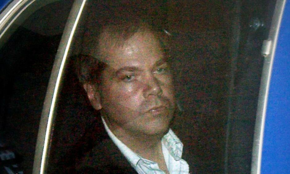 SLUPPET LØS: Ifølge lokale medier ble han sluppet fri fra St. Elizabeth Hospital i Washington lørdag, 12 948 dager etter hans forsøk på å drepe den amerikanske presidenten. Foto: REUTERS/Brendan Smialowski/File Photo