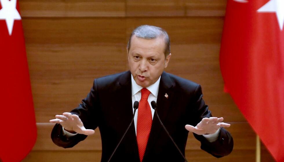 VIL HA FOLKEAVSTEMNING: President Recep Erdogan foreslå at folket skal få stemme over om landet skal opprettholde sin søknad om EU-medlemskap. Foto: AFP / ADEM ALTAN / NTB Scanpix