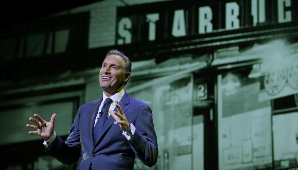 SAMFUNNSANSVAR: Starbucks, her ved sin CEO Howard Schultz, tar samfunnsansvar gjennom initiative 100 000 oppurtunities, ifølge Gørill Husby Moore.  (AP Photo/Ted S. Warren)