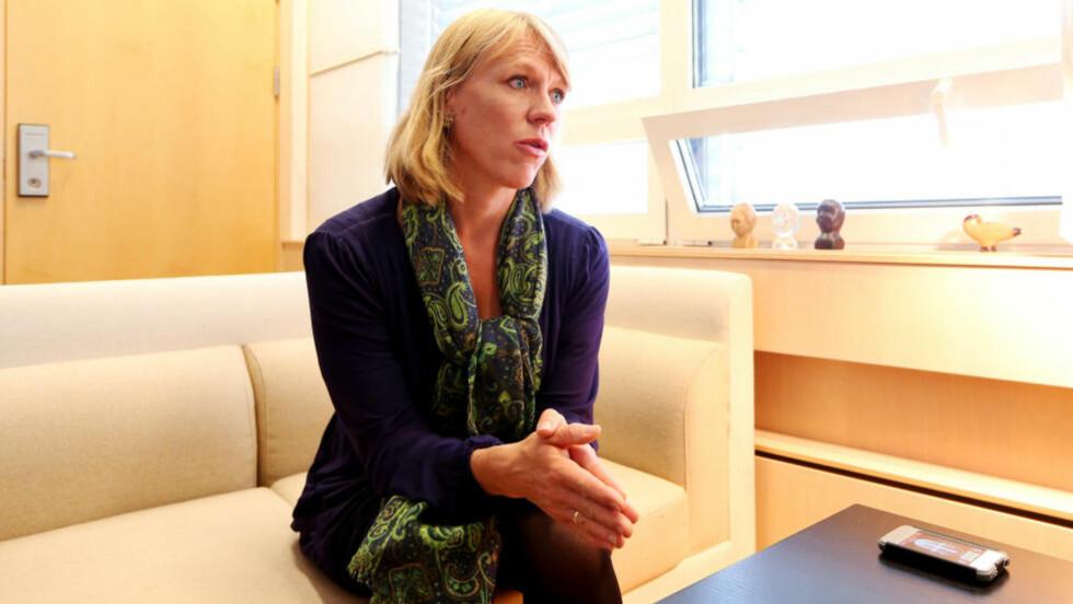 BARNS VERN: «Arbeidsminister Anniken Huitfeldt har uttalt at forskjellsbehandlingen av asylbarn over og under 15 år, skyldes regjeringens manglende prioriteringer til barnevern på statsbudsjettet. Dette strider med barnekonvensjonens artikkel to, som gjelder barns vern mot diskriminering», skriver kronikkforfatteren. Foto: Håkon Mosvold Larsen / NTB scanpix