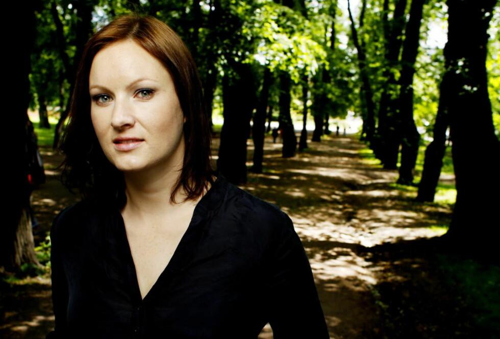 GILDT SELSKAP: Det er en fantastisk anerkjennelse å motta Hestenesprisen, synes forfatter og spaltist Agnes Ravatn. Foto: Kristin Svorte/Dagbladet