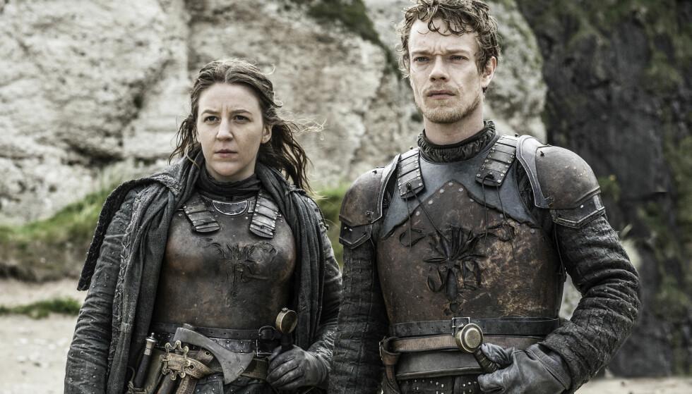 PÅ RØMMEN: Søsknene Yara og Theon Greyjoy, spilt av Gemma Whelan og Alfie Allen, måtte forlate Iron Islands forrige sesong. Foto: HBO Nordic