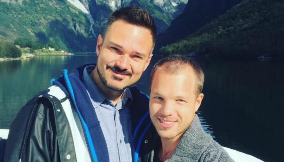KJÆRESTER: Tore Petterson har funnet lykken med svenske Marcus Rone. Foto: Privat