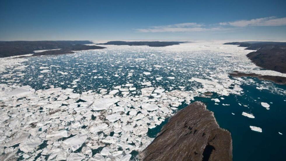 TOGRADERSMÅLET FNs togradersmål sier at verdens temperaturer ikke skal øke med mer en to grader. Allerede nå ser vi forandringene global oppvarming har bidratt med, i for eksempel isbreer i Antarktis og Grønland. Foto: AFP PHOTO / UNIVERSITY OF WASHINGTON/IAN JOUGHIN