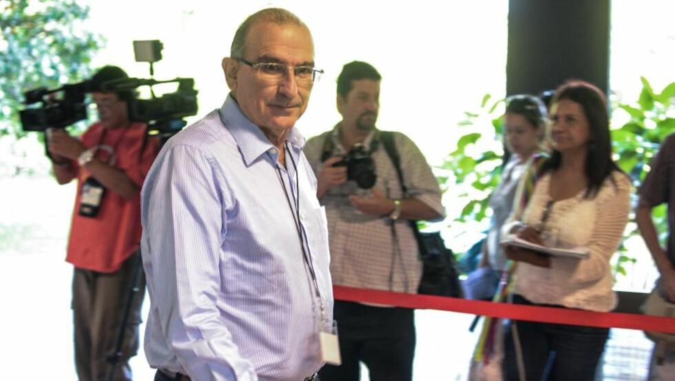 På rett vei: Ifølge Dagbladets kilder har den colombianske regjeringen og FARC kommet til enighet om et viktig punkt av fredsforhandlingene, som ledes av Humberto de la Calle. Gjennombruddet skal angivelig bli kunngjort i løpet av kvelden, norsk tid. Foto: Scanpix / AFP / Adalberto Roque