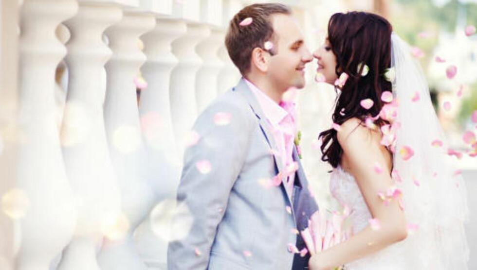 DRØMMEDAG: Det går an å få til et vakkert og unikt bryllup - helt uten å sette seg i gjeld. FOTO: Thinkstockphotos