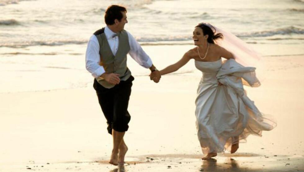 RØMMER LANDET: Mange velger å gifte seg i utlandet, da dette ofte blir billigere enn å gifte seg hjemme i Norge. FOTO: Crestock