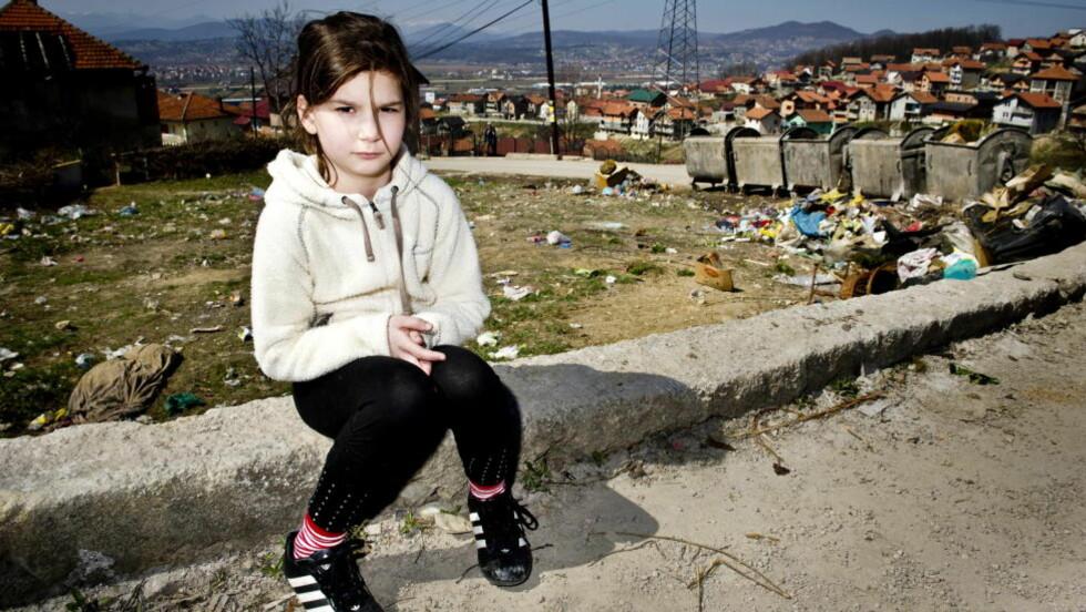 BESØKTE RJUKAN: Verona Delic (10) var i mai på et ti dagers besøk hos venner og familie i Rjukan. Dagen hun skulle reise til Sarajevo igjen, fikk hun vite at kameraten Mahdi Shabazi får opphold. Bildet er tatt da Dagbladet besøkte familien Delic i Sarajevo i fjor. Foto: John T. Pedersen / Dagbladet