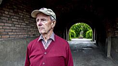 PELLE-MEDLEM: Sverre Kokkin (88) var medlem av sabotasjegruppa Pellegruppa under andre verdenskrig. 88-åringen er i dag en av to gjenlevende Pelle-medlemmer, og han sier til Dagbladet at han mener gruppa aldri har fått den anerkjennelsen de har fortjent. Her er Kokkin fotografert på Damplassen hvor gruppa holdt til under krigen. Foto: Torbjørn Berg / Dagbladet