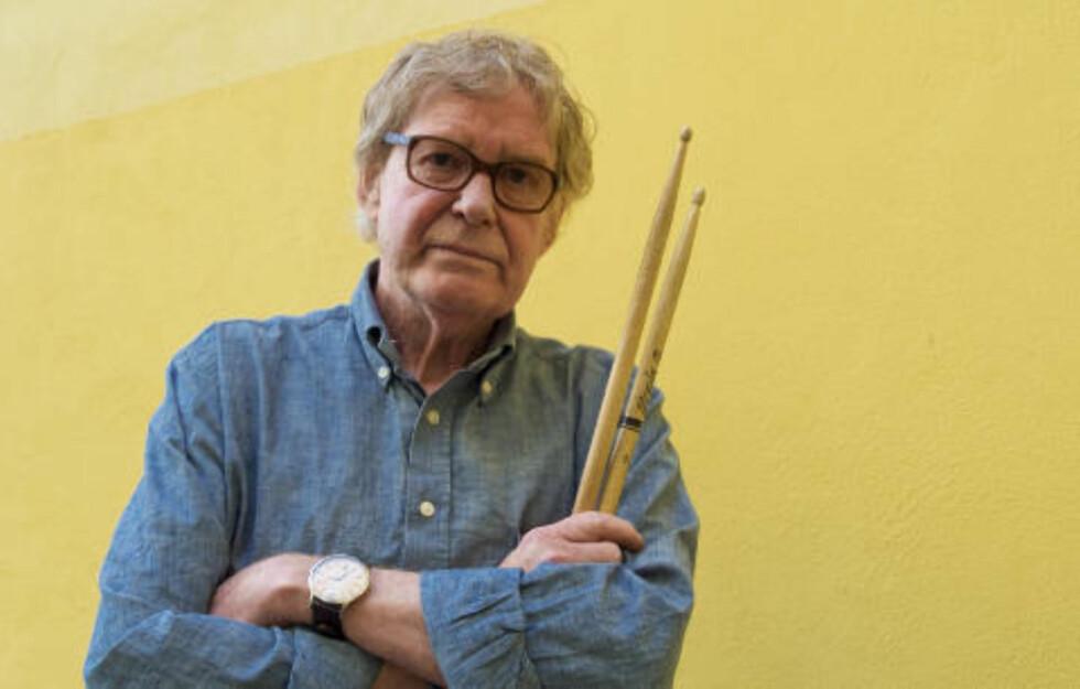 CREDO: I tekstheftet til ECM-albumet «rarum: Jon Christensen. Selected Recordings» kommer trommeslageren med fire utsagn: I: «Bandfølelse er viktigere enn bravura», II: «Mindre er mer», III: «Hvor fort kan du spille langsommere?» og IV: «Et beat er ikke alltid det du tror det er.» Christensen er med på ca 60 ECM-album, så vidt vites flere enn noen annen musiker. FOTO: TERJE MOSNES