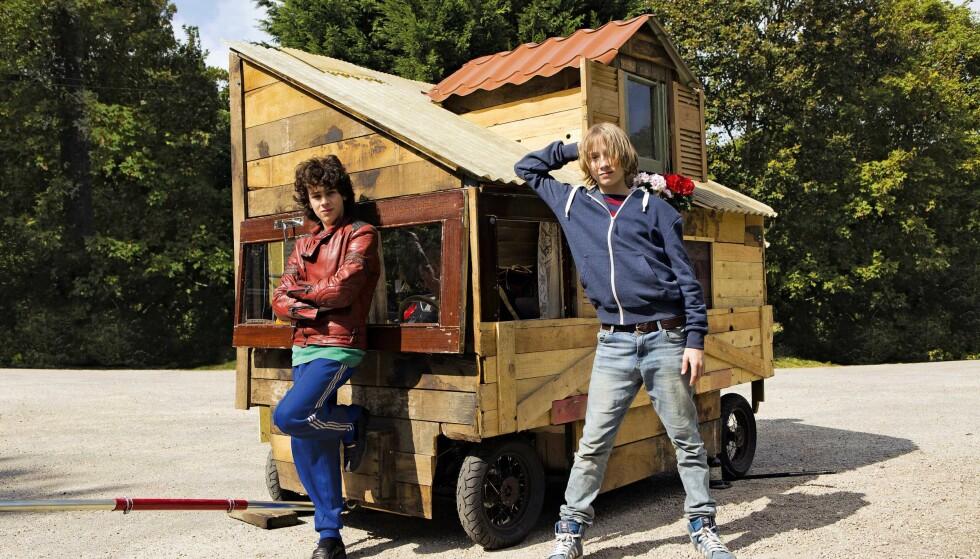TERNINGKAST FIRE: Unge Théo Baquet og Ange Dargent bærer «Microbe & Gasoline» på sine unge skuldre, skriver Dagbladets anmelder.