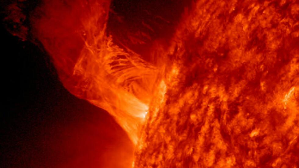 <strong>SOLEKSPLOSJON:</strong> Denne eksplosjonen på sola skjedde 31. desember i fjor. Foto: reuters / Nasa / Scanpix
