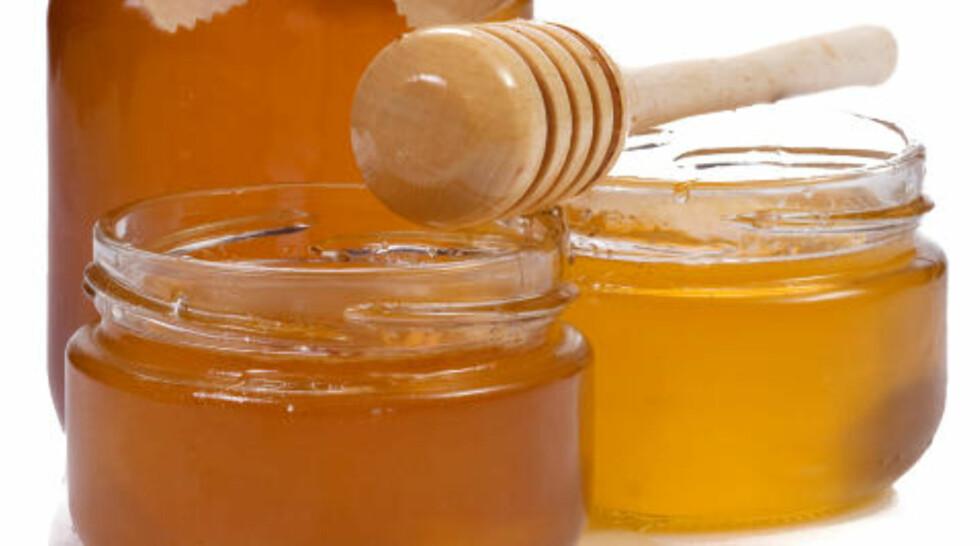 GIR FUKT: - Honning har en fuktighetsgivende og mykgjørende effekt på overhuden, og virker klargjørende, sier Spillberg.Foto: COLOURBOX