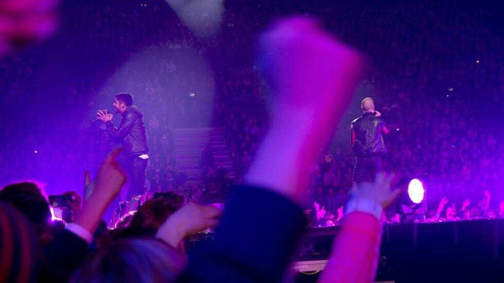 TOPPET FORVENTNINGENE: Karpe Diem leverte kanskje den første utsolgte norske rapkonserten i Spektrum, uten at det egentlig kan kalles en hiphop-konsert. Foto: Terje Bendiksby / NTB Scanpix