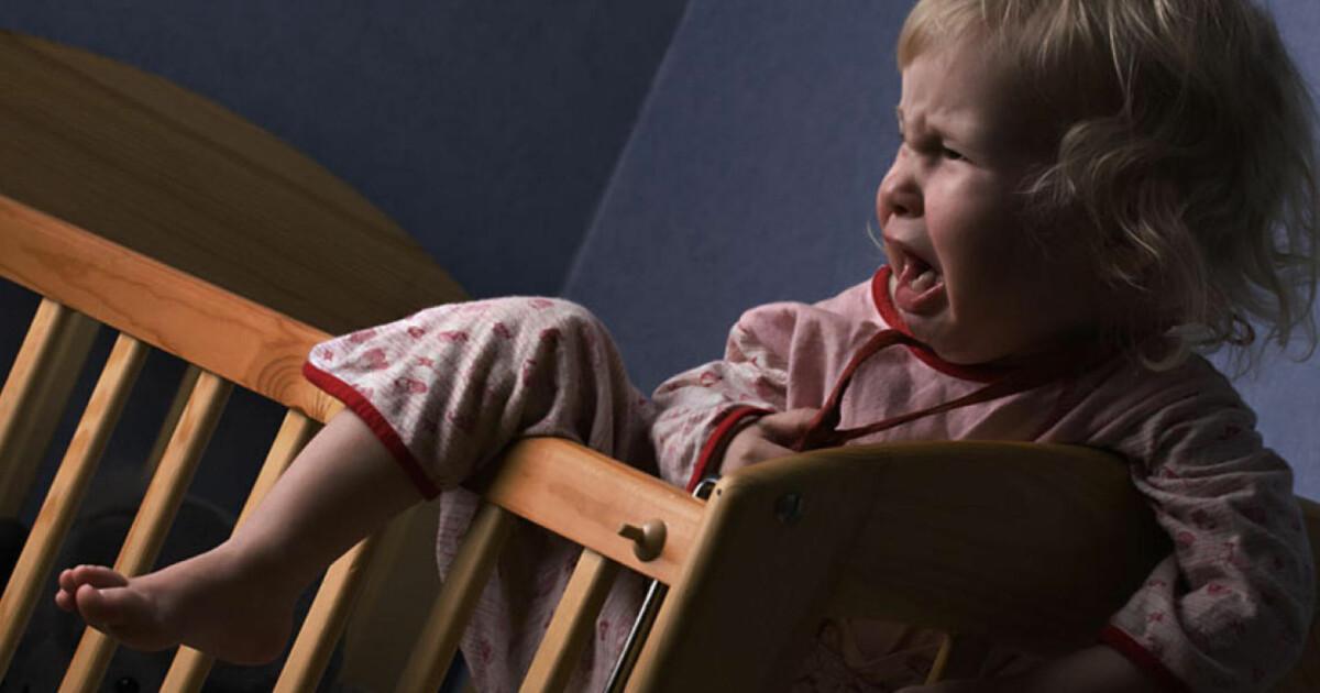 Baby 3 Mnd Gråter I Søvne