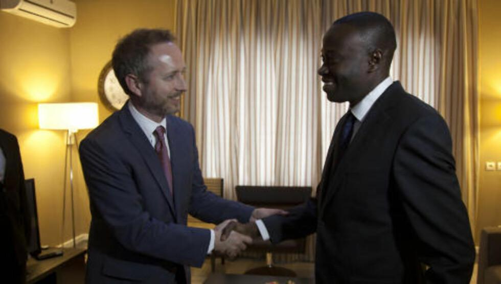 <strong>Finans:</strong> Solhjell møtte finansminister Patrice Kitebi i Kinshasa. Foto: Tore Bergsaker