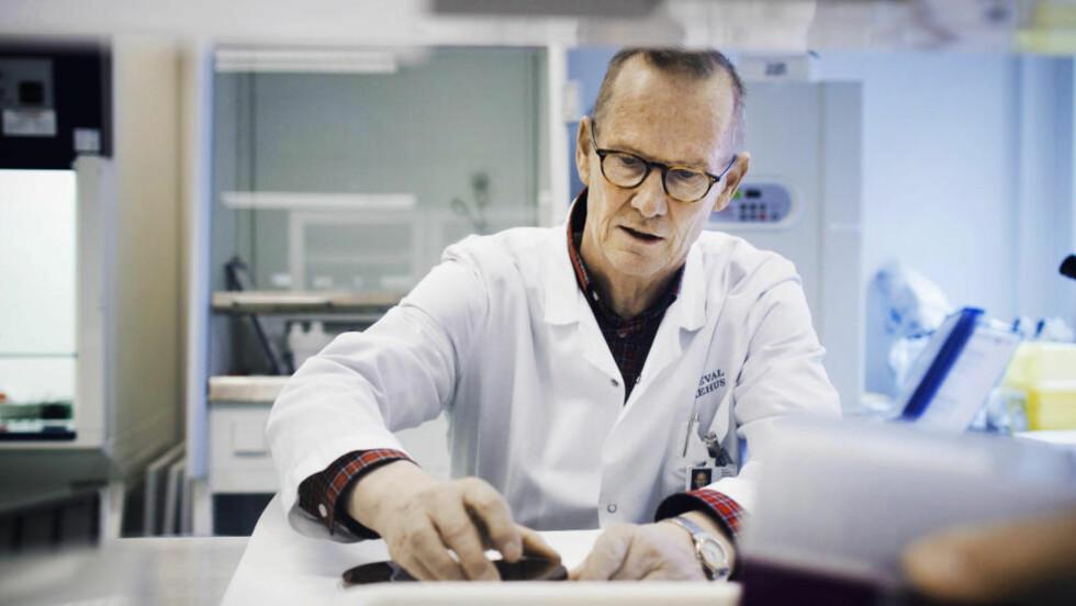 SVÆRT BEKYMRET:  Overlege Dag Berild ved infeksjonsavdelinga ved Oslo universitetssykehus, som også er landsfunksjon for tuberkulosepasienter, er svært bekymret for økningen av mulitiresistent tuberkulose i verden. Foto: Hilda Nyfløt / Dagbladet