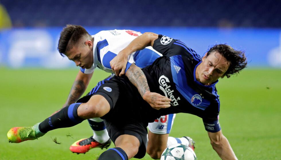 TABBET SEG UT: Thomas Delaney gjorde en stor blunder i forkant av 1-0-målet til Porto. Foto: Miguel Vidal / Reuters / NTB Scanpix