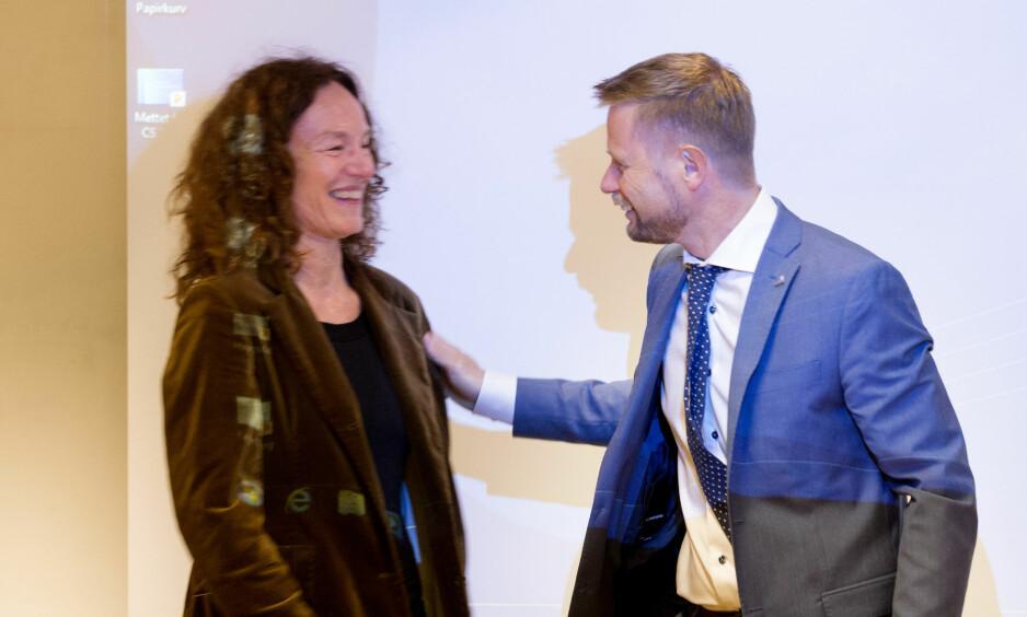 Helse- og omsorgsminister Bent Høie (H) og direktør ved Folkehelseinstituttet, Camilla Stoltenberg. Foto: Håkon Mosvold Larsen / NTB scanpix
