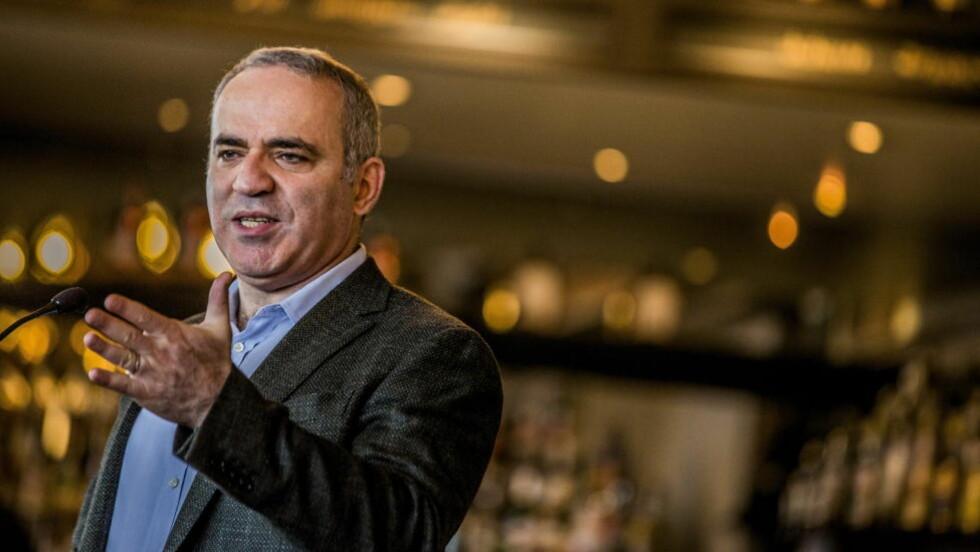 KRITISK: Den tidligere verdensmesteren i sjakk, Garry Kasparov, mener tildelingen av VM-turneringen på det nærmeste er kriminell. Foto: Stian Lysberg Solum / NTB scanpix