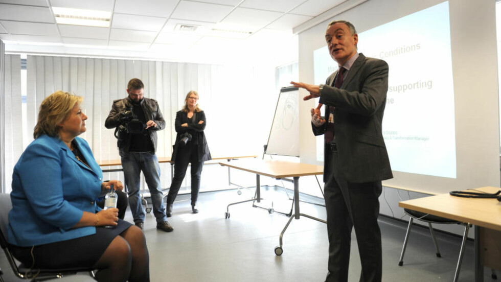 LÆRER AV BRITENE: Høyre-leder Erna Solberg er i London for å lære om britenes helsepolitikk. Her på besøk hos NHS Newham General Hospital  i London. Foto Keith Hammett /Dagbladet.