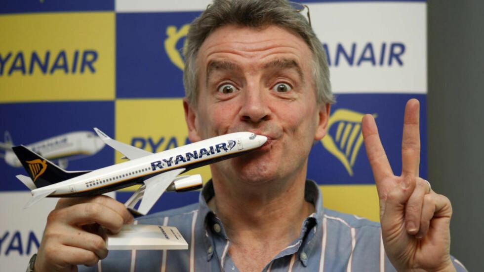MOTVIND GIR MEDVIND: Ryanairsjefen Michael O'Leary troppet selv opp i Norge for å svare på kritikken som har florert i norsk media, nå viser det seg at det harde været blir fulgt av medvind. Foto: REUTERS/Albert Gea/NTBScanpix