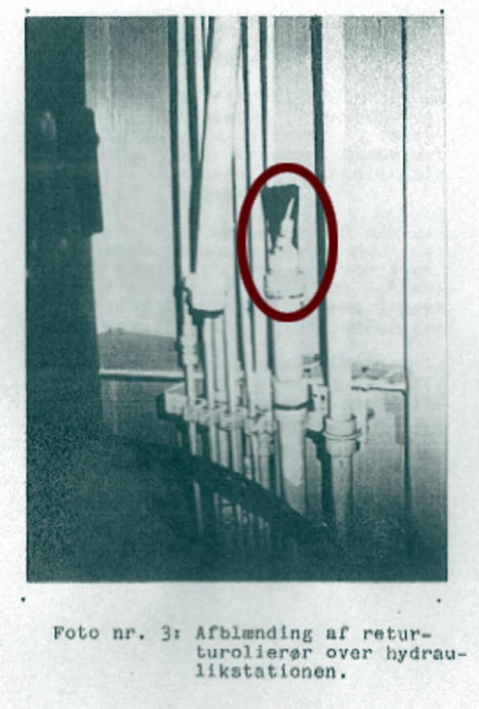 TETT: Dette bildet fra en rapport fra firmaet Dantest, er aldri tidligere blitt offentliggjort. Det viser hvordan hydraulikkoljerøret er blitt blendet - i følge maskinsjefen  brukte han en mutter som han tok fra lugarkorridoren der røret var blitt bøyd ut av en kopling. Foto: Dantest