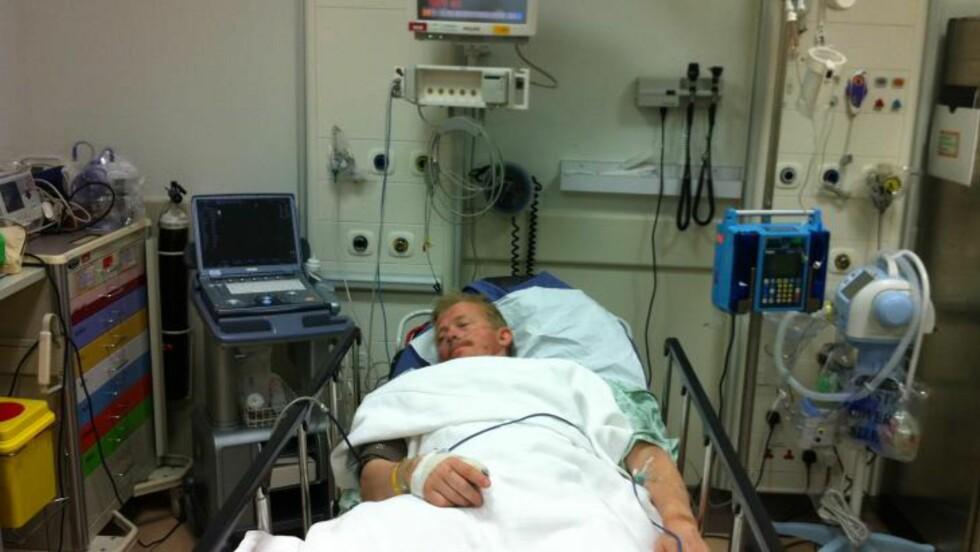 SKAL OPERERES: Pål Anders Ullevålseter skal opereres etter at han i dag krasjet i Qatar. Nordmannen har ikke gitt opp deltakelse i neste Dakar-rally. Foto: Vladimir Kusnier/Team Ullevålseter