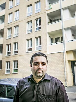LA INN BUD: Av de om lag 30 visningene Armir Keyani (33) har vært på de siste to månedene har ikke én leilighet har gått til prisantydning. I siste budrunde takket selger nei til høyeste bud som 800 000 over prisantydning. Foto: Christian Roth Christensen / Dagbladet
