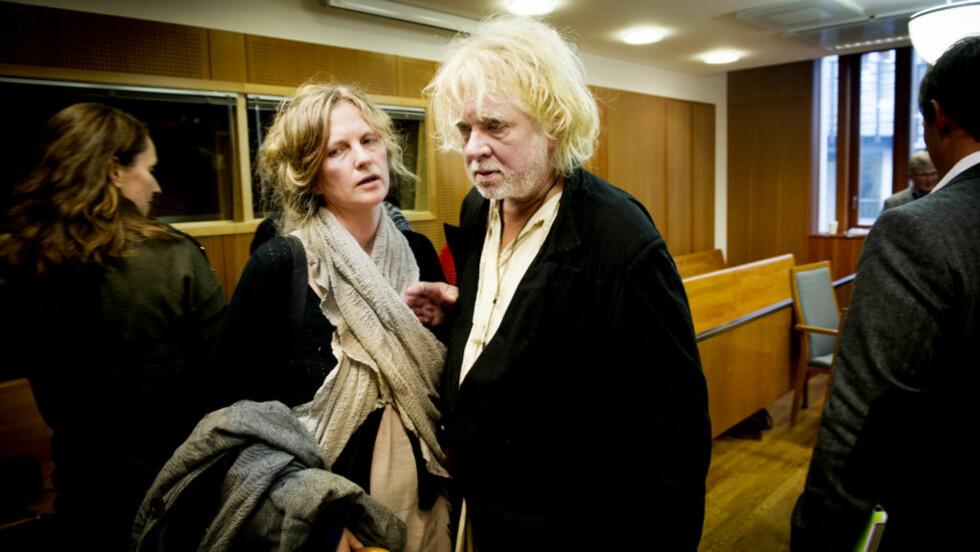 TAPTE: Odd Nerdrum har tapt saken mot Skatt øst. Her i Oslo tingrett sammen med sin kone Turid Spildo som begge vitnet i saken. Foto: John T. Pedersen / Dagbladet