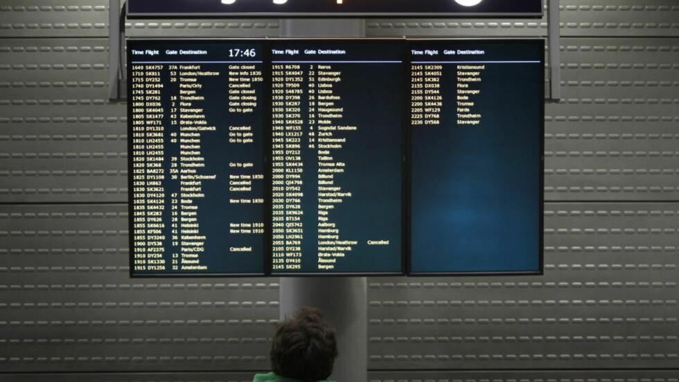 Forsinkelser: På grunn av dårlig vær blir flere avganger forsinket i kveld. Her fra avgangshallen på Oslo lufthavn Gardermoen. Foto: Håkon Mosvold Larsen / Scanpix