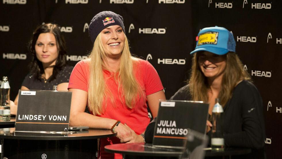 TØFFE DAMER: Lindsey Vonn (i midten) og Julia Mancuso (t.h) har lyst til å kjøre i Kitzbühel.