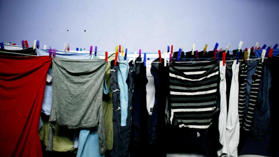 KLESVASK: Du bør tenke deg om to ganger før du henger opp klesvasken på soverommet. Foto: Sara Johannessen / SCANPIX