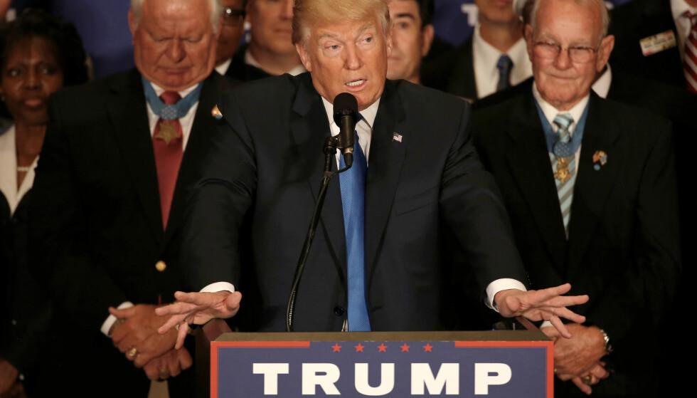 UTTALELSE: Under en uttalelse på et kampanjearrangement på sitt nye hotell i Washington, slo Trump fast at president Barack Obama er født i USA. Foto: REUTERS / Mike Segar / NTB scanpix