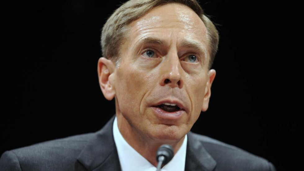 TREKKER SEG:David Petraeus trekker seg som sjef for CIA. Foto: EPA/Scanpix.