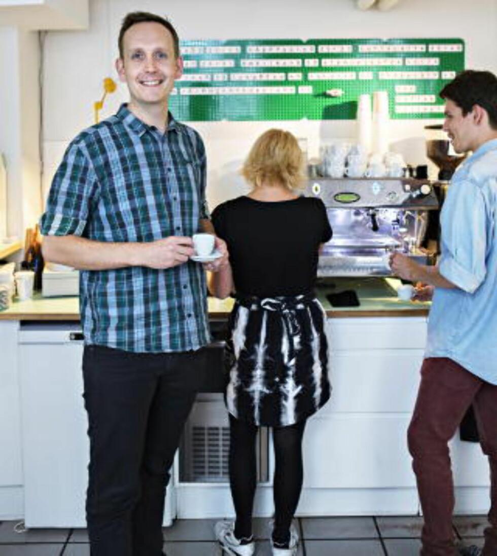 DIREKTE: Claus Thomsen i The Coffee Collective jobber direkte med kaffebønder og med kunder. Foto: NINA HANSEN