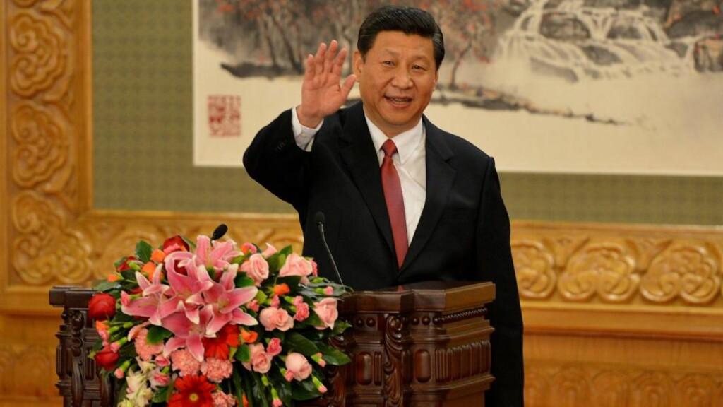 KINAS NYE LEDER:  Xi Jinping (59) er utpekt til kommunistpartiets nye generalsekretær og Kinas nye president for de neste ti åra. Han styrer landet sammen med seks øvrige medlemmer i politbyråets faste komité. Foto: AFP / NTB Scanpix