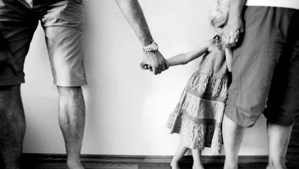 MISVISENDE: «Det kan se ut som om Pettersen bidrar til å reprodusere en feilaktig og usann forestilling om at menn er tapere i barnefordelingssaker, mens kvinner i kraft av sitt kjønn og sin morsrolle som regel sitter igjen med hovedomsorgen for barna», skriver kronikkforfatteren. Illustrasjonsfoto: Sara Johannessen / NTB Scanpix