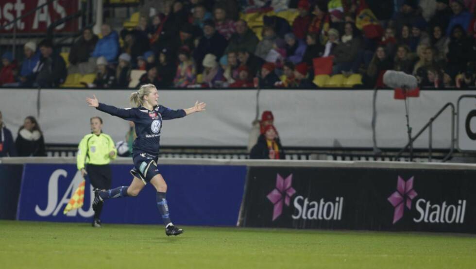 HATTRICKHELT: Ada Hegerberg scoret tre mål i første omgang, og hadde i praksis avgjort cupfinalen før pause. Foto: BERIT ROALD / NTB SCANPIX