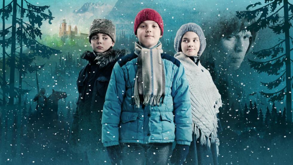 """Eventyrlig: NRKs julekalender for barn, """"Julekongen"""", bringer tankene til Astrid Lindgrens ridderunivers og er blitt et stilsikkert og fortryllende førjulseventyr, også takket være dyktige barneskuespillere som disse tre, Oscar Reistad Fosse (til venstre), Vetle Qvenlid Werring og Emma Rebecca Storvik. Foto: Jørn Veberg / NRK"""