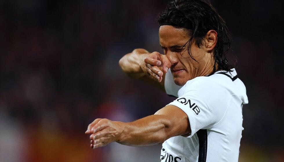 I SLAG: Edinson Cavani storspilte og scoret hele fire mål for PSG fredag kveld. Foto: Charly Triballeau / AFP / NTB Scanpix