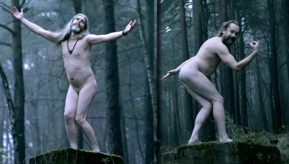 NAKENPROTEST: Slik poserer Lars Lønning (til venstre) og Egil Hegerberg for å illustrere den kommende skulpturparken på Ekeberg i sin siste video. Aslak Guttormsgard og Ole Petter Andreassen utgjør resten av bandet.